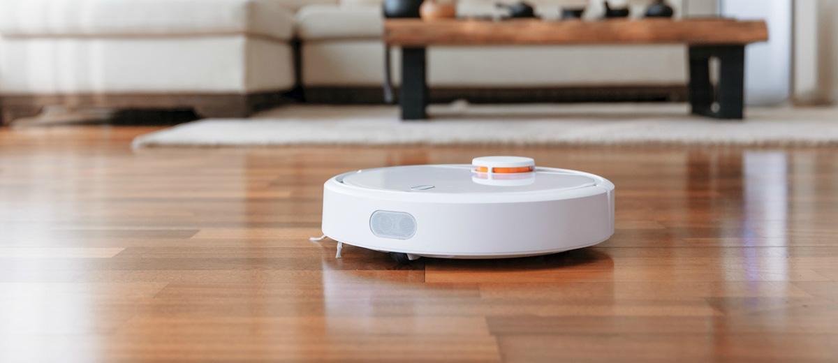 Ένας αναλυτικός οδηγός αγοράς για την νέα τεχνολογία στην καθαριότητα του σπιτιού που ονομάζεται σκούπα ρομπότ. Πως γίνεται η επιλογή της και τι θα πρέπει να λάβεις υπόψη προτού προχωρήσεις στην αγορά.