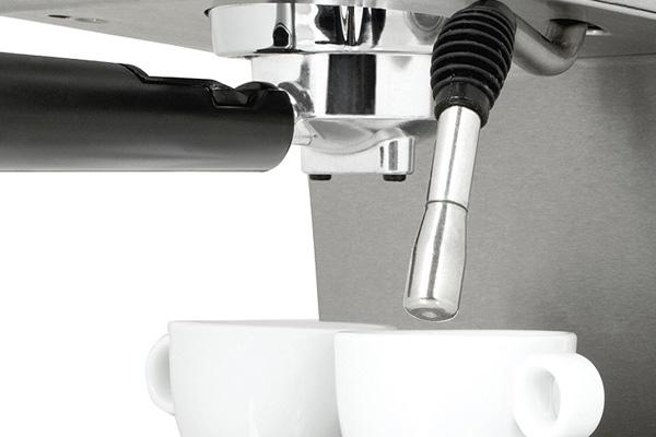 Ημιαυτόματες μηχανές espresso: Το ακροφύσιο ατμού