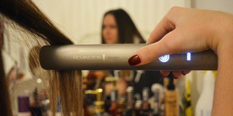 Η beauty vlogger Soti Tafani αναμετρήθηκε με το ισιωτικό Remington S8590 Kertin Therapy Pro και μας παρουσιάζει το αποτέλεσμα της μάχης...