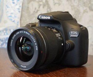 Η Canon Europe ανακοίνωσε τις φωτογραφικές μηχανές Canon EOS 2000D και EOS 4000D, οι οποίες αποτελούν τις πλέον πρόσφατες προσθήκες στην σειρά μηχανών DSLR της εταιρείας.
